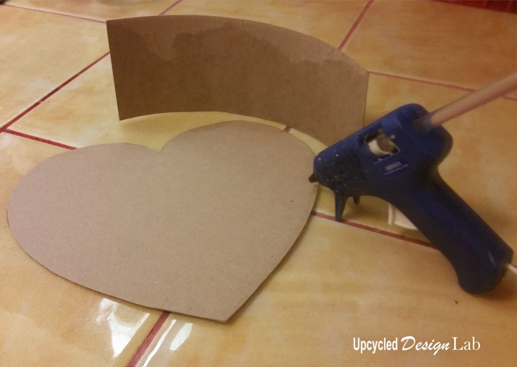 Shaping the edges of the heart shaped box